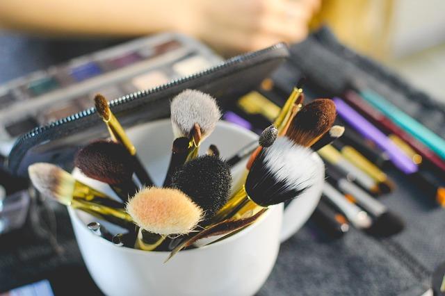 brush-2491235_640