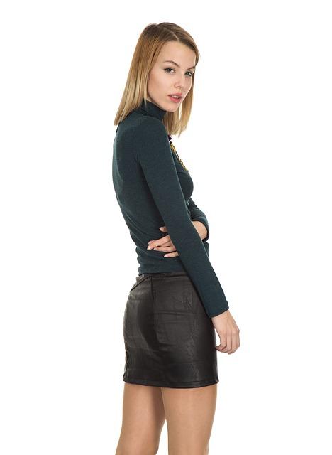 女装初心者さんがスカートを選ぶとき「タイトスカートから試す」のがおすすめの理由