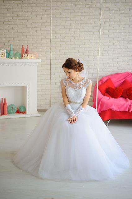 bride-2257813_640