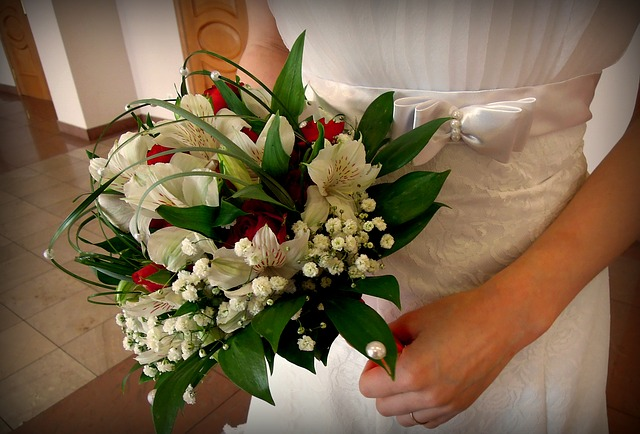 bridal-bouquet-2269855_640