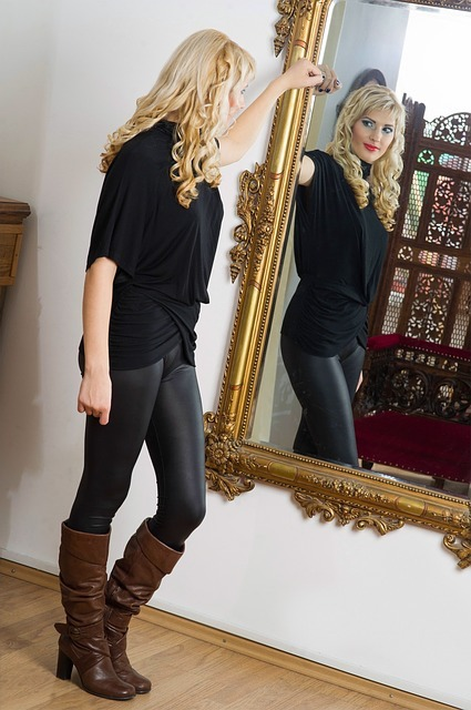 mirror-1464840_640